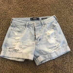 Hollister high rise boyfriend jean shorts